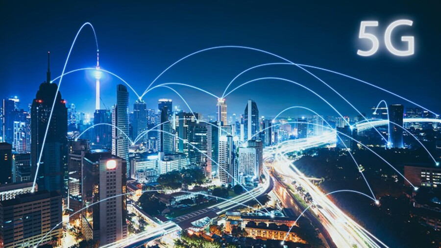 5G network signals pinging off of installed towers on tall buildings